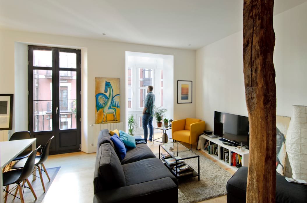 REFORMA VIVIENDA Modern Living Room by Garmendia Cordero arquitectos Modern