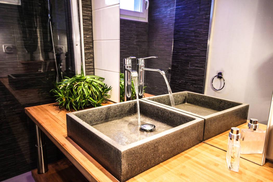 Modern bathroom by MB Architecte Modern
