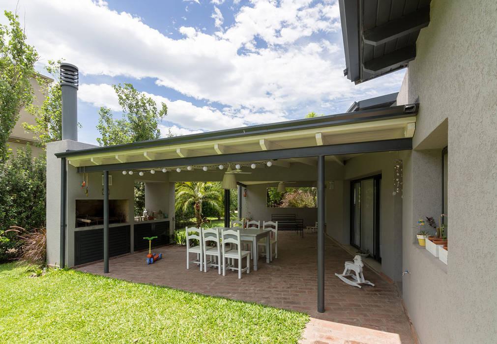 Casa El Paso I Casas modernas: Ideas, imágenes y decoración de ARRILLAGA&PAROLA Moderno