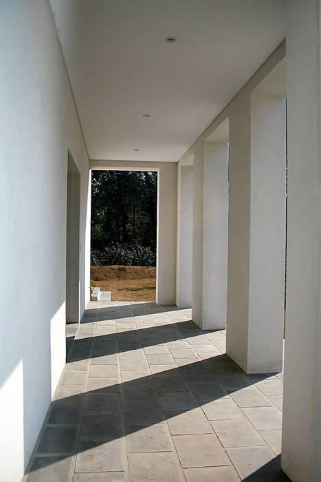Pasillos y vestíbulos de estilo  de Aulet & Yaregui Arquitectos,