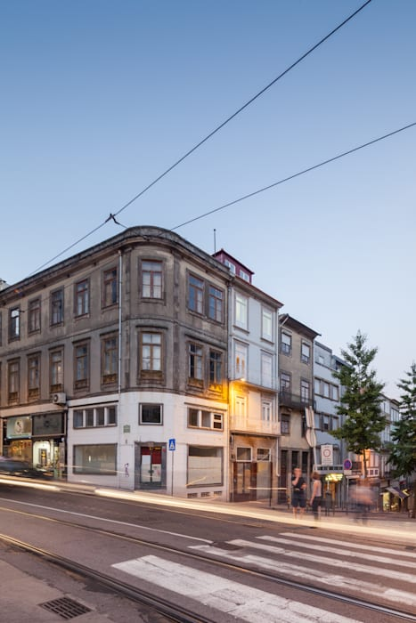 Houses by Pedro Ferreira Architecture Studio Lda, Eclectic Granite