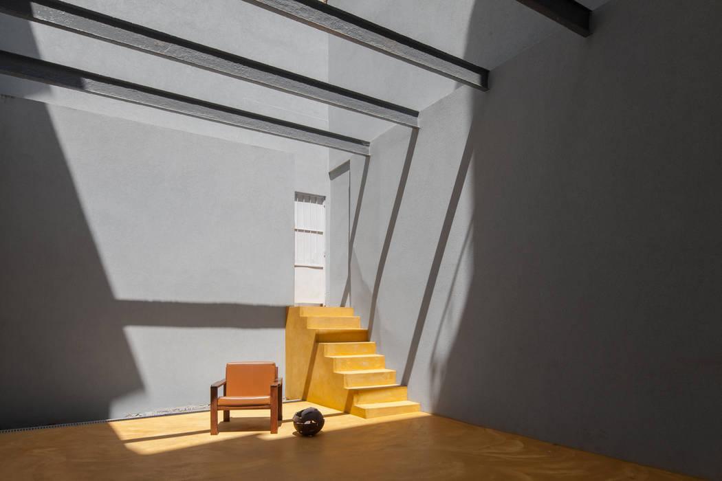 Conservatory by Pedro Ferreira Architecture Studio Lda, Eclectic Concrete