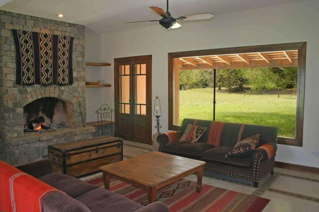 Wohnzimmer im Landhausstil von Aulet & Yaregui Arquitectos Landhaus