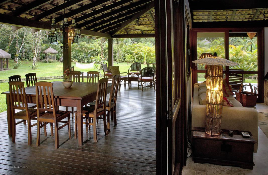 Tropischer Balkon, Veranda & Terrasse von Mellani Fotografias Tropisch