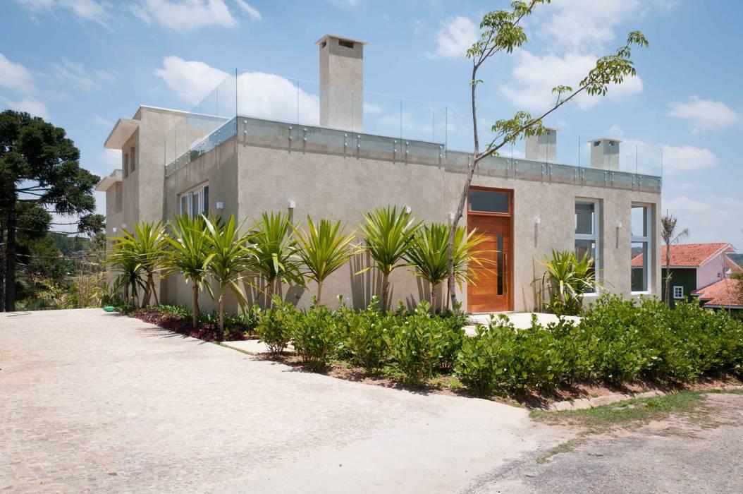 Case in stile  di Martins Valente Arquitetura e Interiores, Moderno