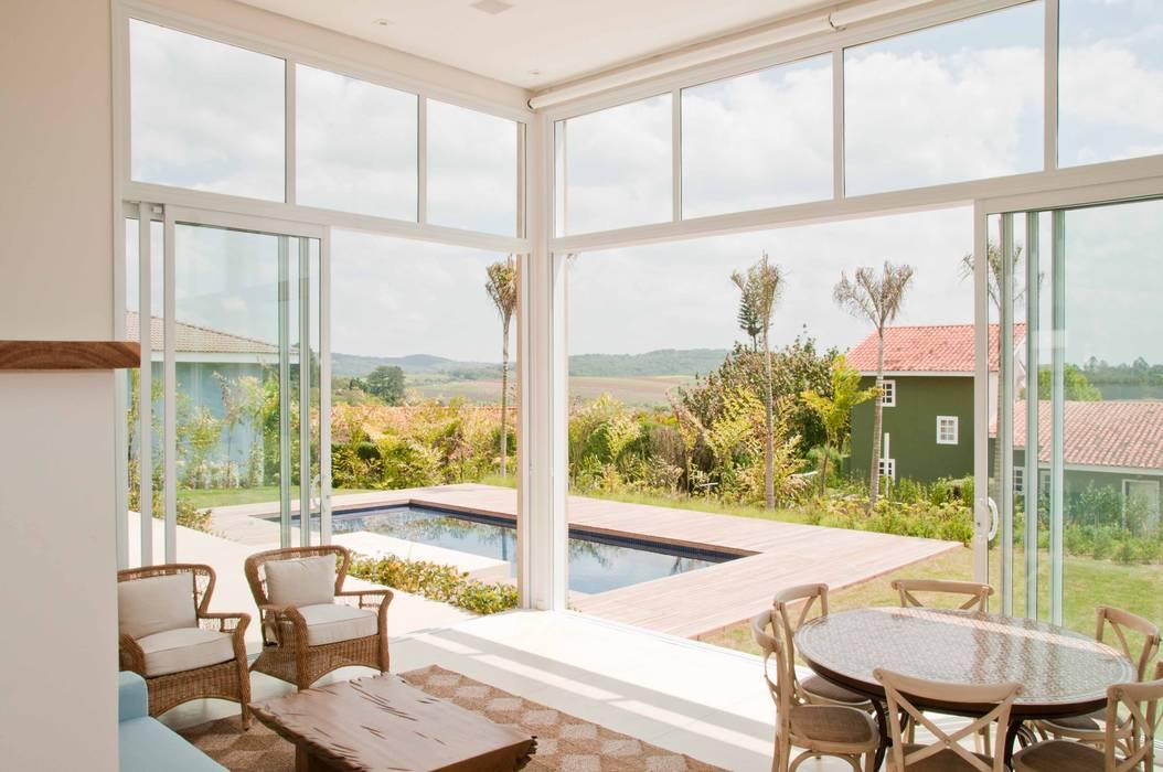 Balcone, Veranda & Terrazza in stile moderno di Martins Valente Arquitetura e Interiores Moderno