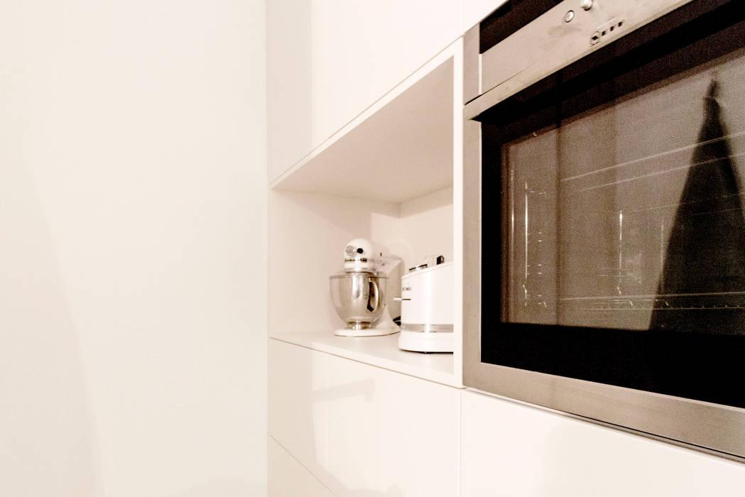 Modern kitchen by Galleria del Vento Modern