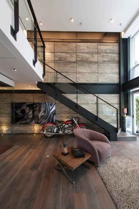 Corridor, hallway by Hansi Arquitectura , Modern