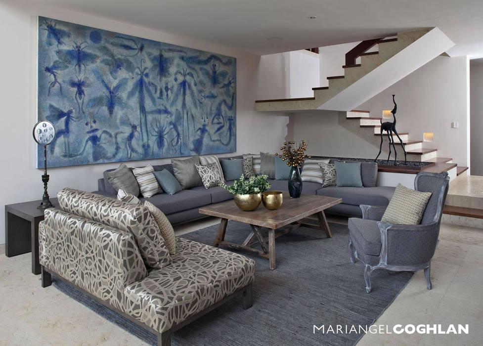 Livings de estilo  por MARIANGEL COGHLAN,