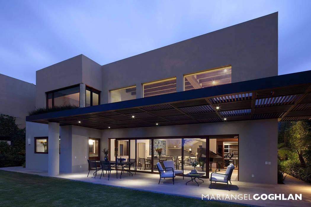 Balcon, Veranda & Terrasse modernes par MARIANGEL COGHLAN Moderne