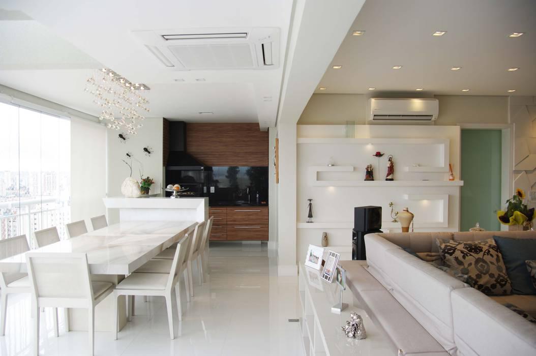 Juliana Matos Arquitetura e Interiores Ruang Makan Minimalis White