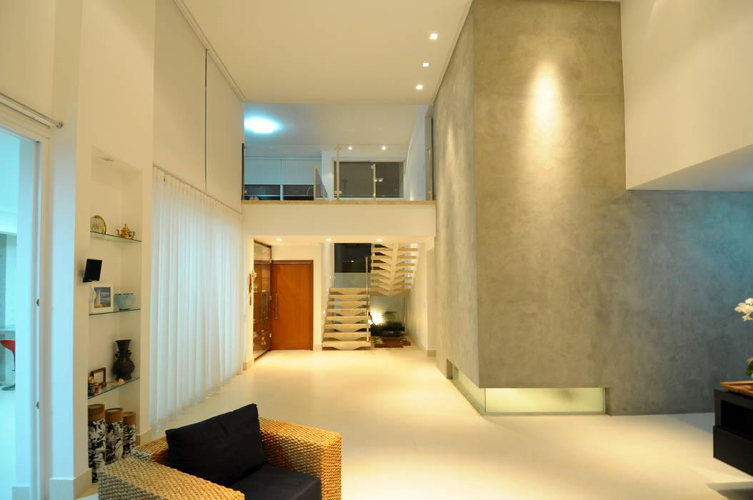 Cabral Arquitetura Ltda. Modern living room