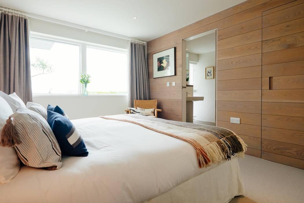Bedroom Phòng ngủ phong cách hiện đại bởi Perfect Stays Hiện đại