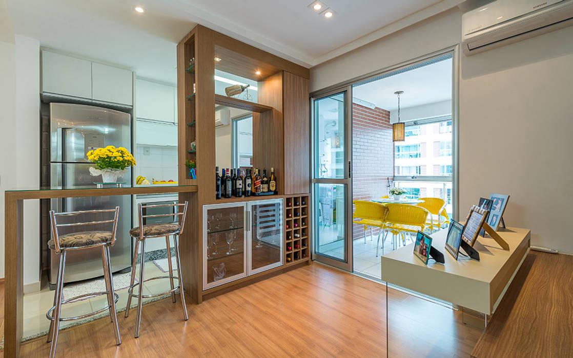 Ruang Penyimpanan Wine oleh Eveline Maciel - Arquitetura e Interiores, Modern