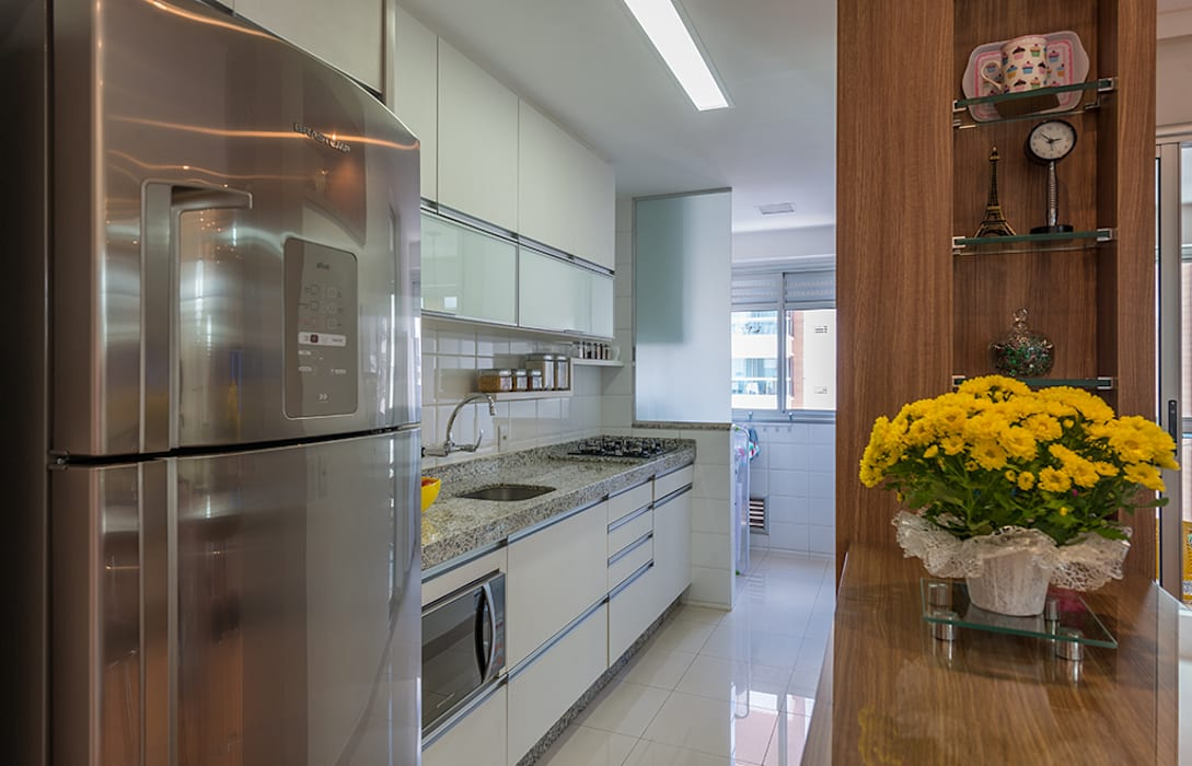 Cocinas de estilo moderno de Eveline Maciel - Arquitetura e Interiores Moderno