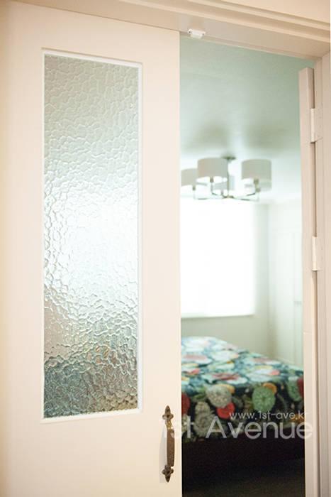 가구를 위한 모던인테리어 모던스타일 침실 by 퍼스트애비뉴 모던