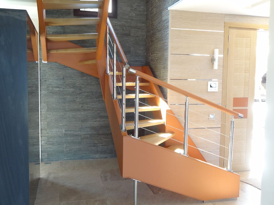 Garde-corps: Couloir et hall d'entrée de style  par Passion Escaliers