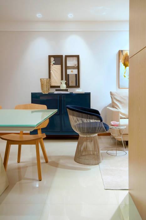 Salon de style  par Coutinho+Vilela,