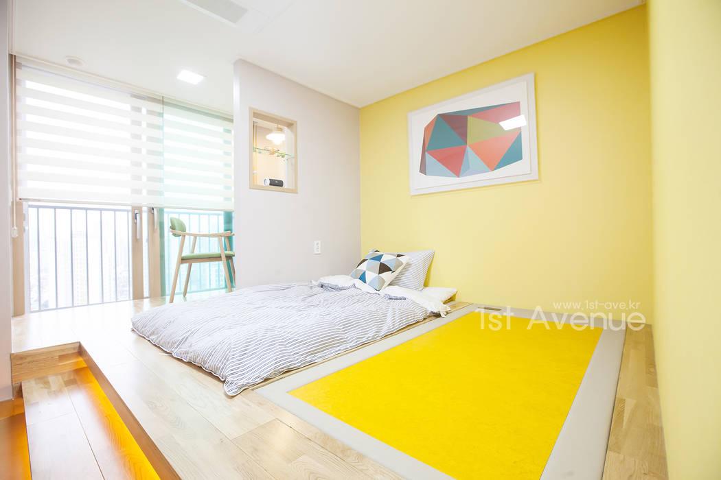 개성있는 침실이 있는 왕십리 인테리어: 퍼스트애비뉴의  침실,