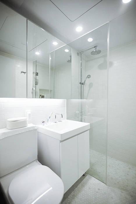 Baños de estilo escandinavo de 샐러드보울 디자인 스튜디오 Escandinavo
