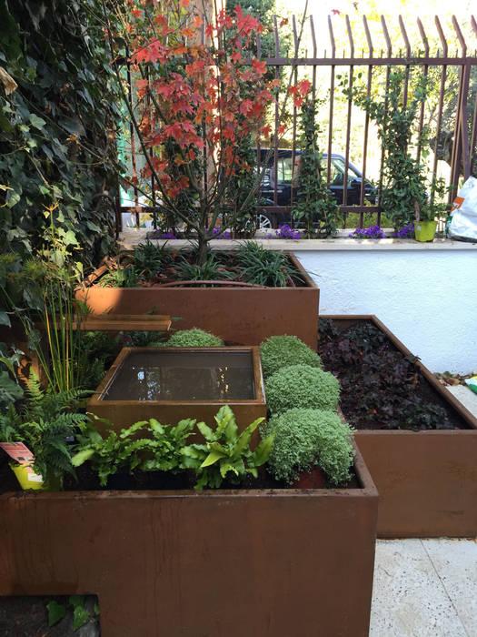 Un jardín especial Jardines de estilo moderno de Irati Proyectos Moderno