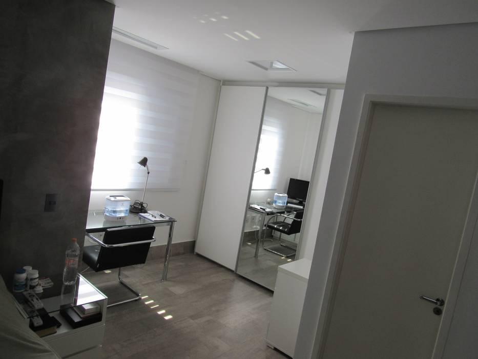 Industrial style bedroom by Escritório de Arquitetura Cláudia Mendonça Industrial