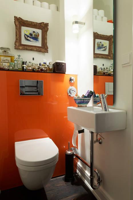 Guest bathroom Baños de estilo moderno de homify Moderno