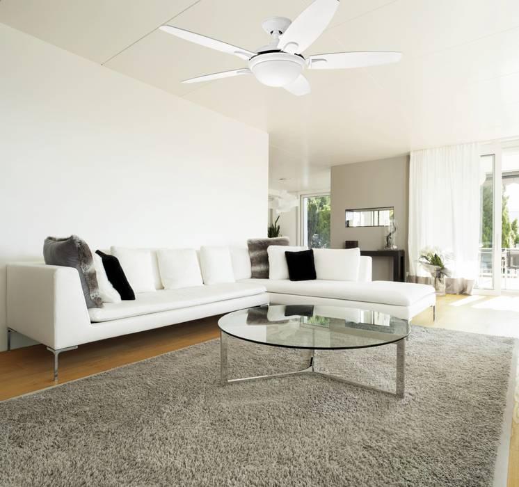 CASA BRUNO salón con ventilador Contempo Livings de estilo moderno de homify Moderno