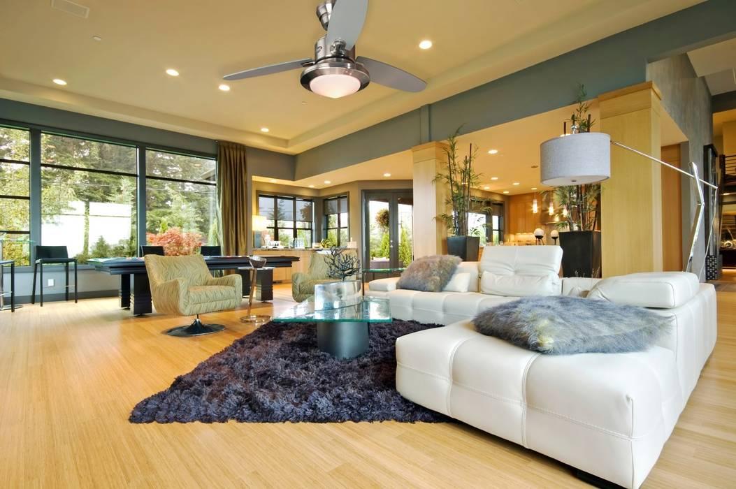 CASA BRUNO salón con ventilador Merced Livings de estilo moderno de Casa Bruno American Home Decor Moderno