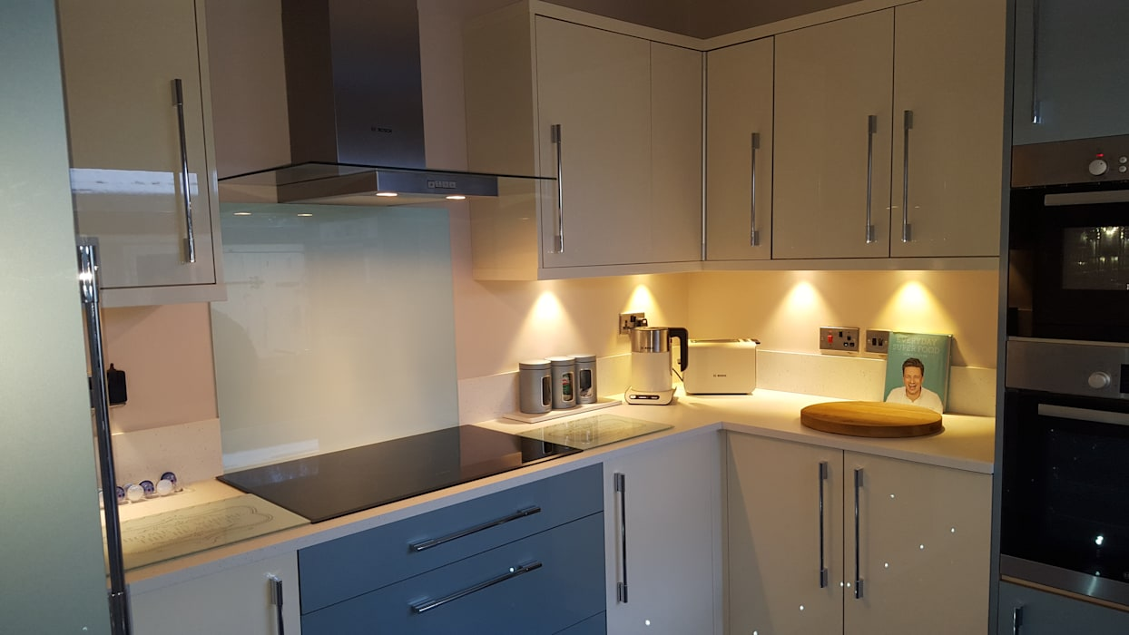 Blue & Cream Gloss Kitchen, Aberdare, South Wales by Hitchings & Thomas Ltd Сучасний