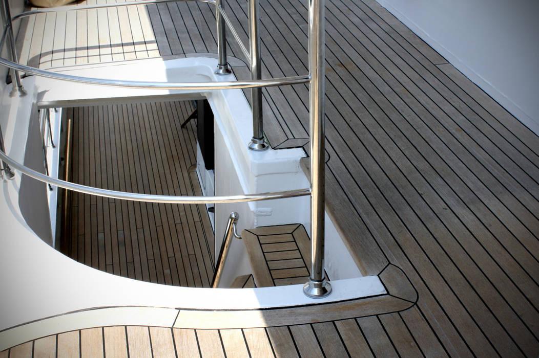 Yacht: Yachts & Jets de style  par réHome, Classique