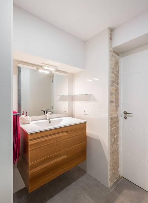 Baño Baños rústicos de LLIBERÓS SALVADOR Arquitectos Rústico