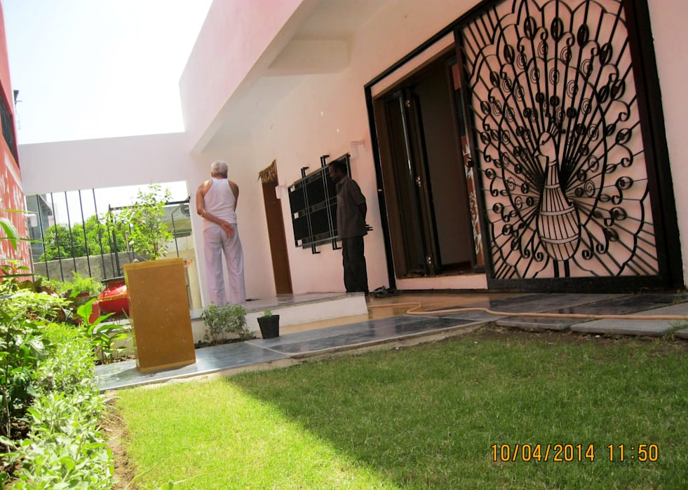 Garden by ar.dhananjay pund architects & designers , Asian