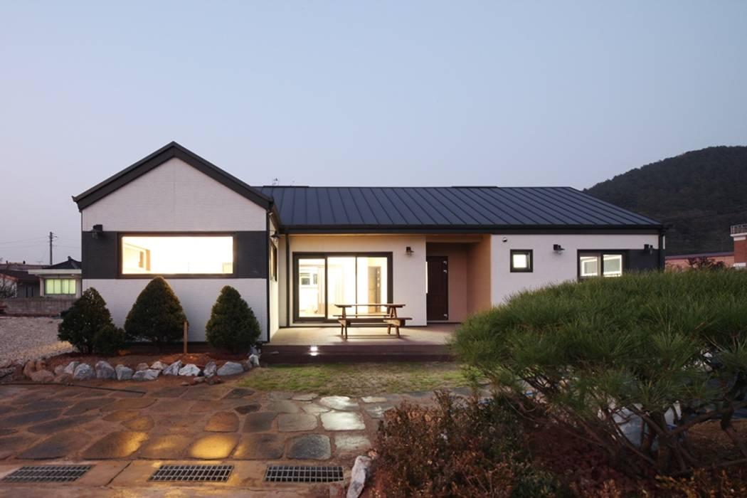 Nhà theo 윤성하우징, Hiện đại