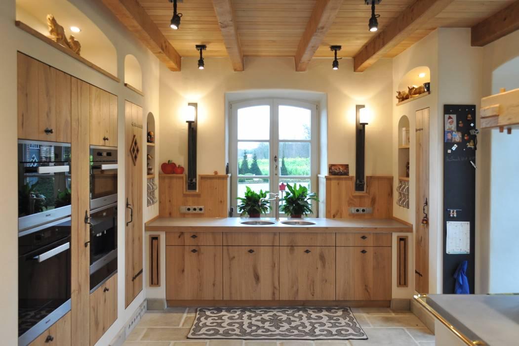 Landhausküche nach Maß Klocke Möbelwerkstätte GmbH Landhaus Küchen Holz Holznachbildung