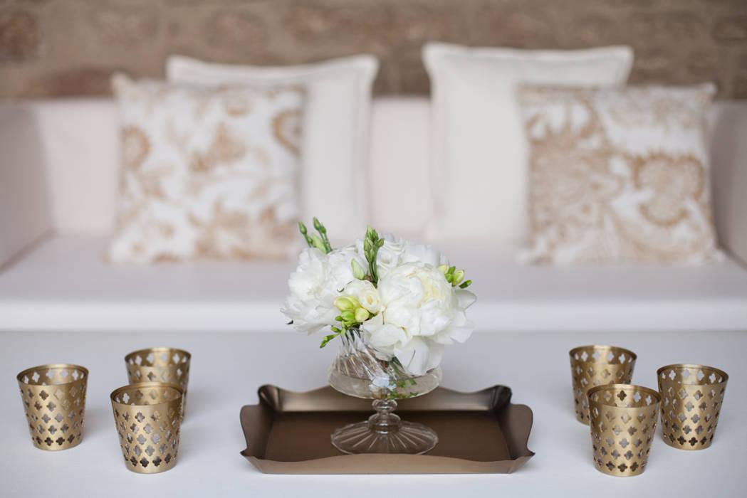 White and Gold por Inspirarte Clássico