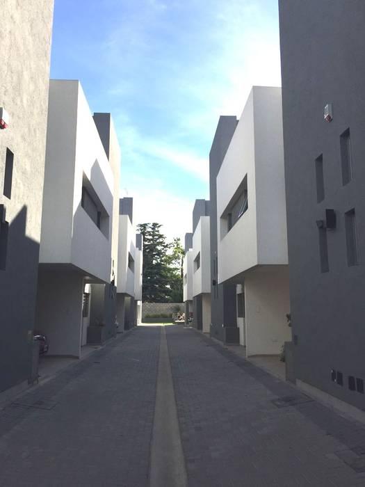 HOUSING DEL LAGO de VILARRODONA ARQUITECTOS Moderno