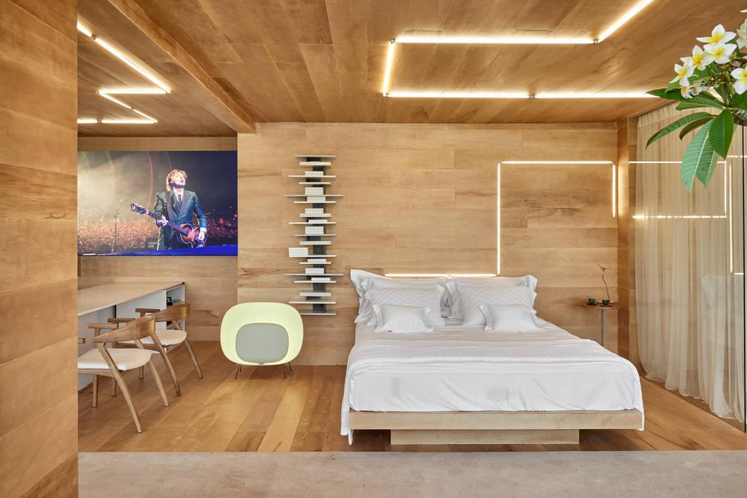 CASA COR MINAS 2014 | Quarto de Hotel: Hotéis  por Piacesi Arquitetos