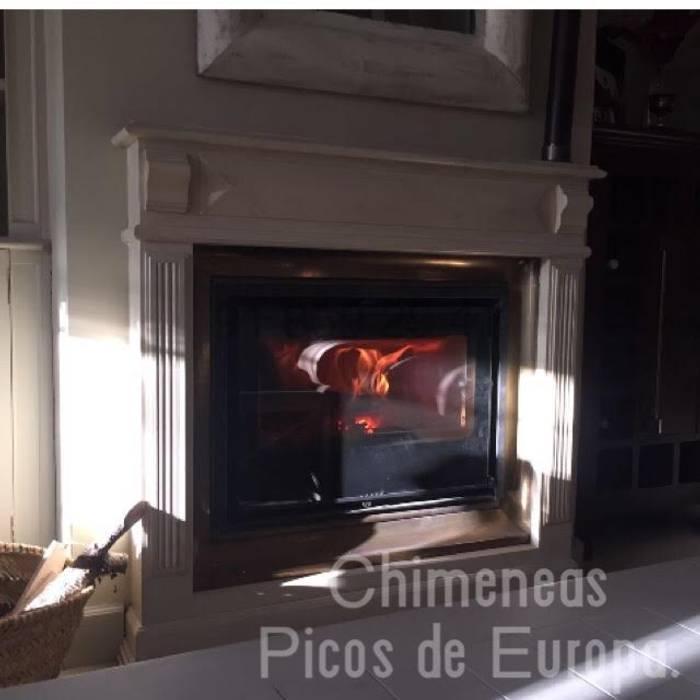 Chimeneas Picos de Europa Living roomFireplaces & accessories