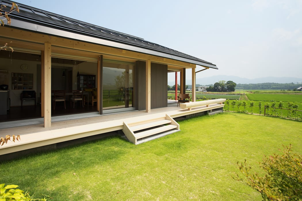 Eclectic style houses by AMI ENVIRONMENT DESIGN/アミ環境デザイン Eclectic
