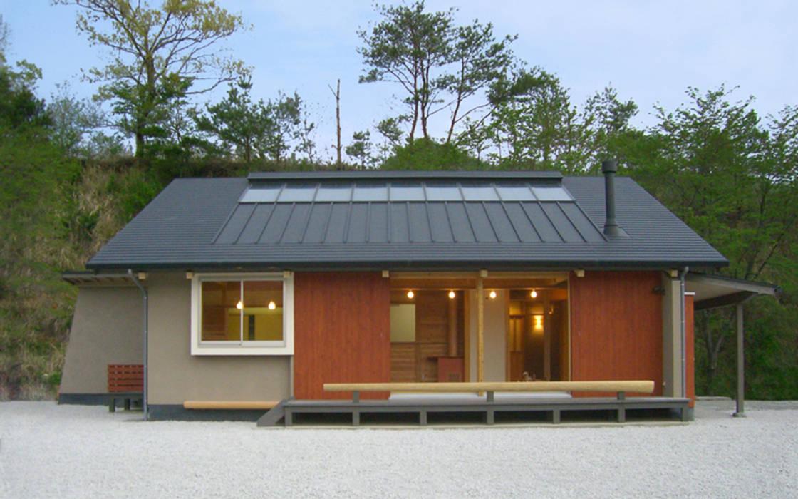 トトロの森に佇む家: AMI ENVIRONMENT DESIGN/アミ環境デザインが手掛けた家です。
