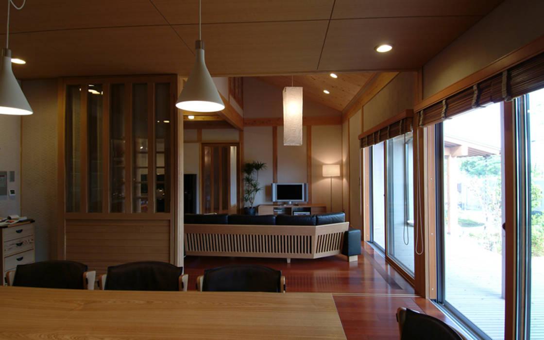 아시아스타일 다이닝 룸 by AMI ENVIRONMENT DESIGN/アミ環境デザイン 한옥