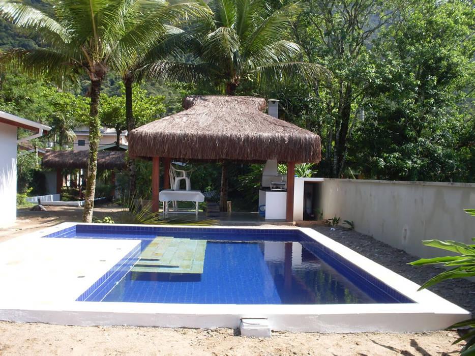Pools im Landhausstil von ARQUITETUBA Landhaus