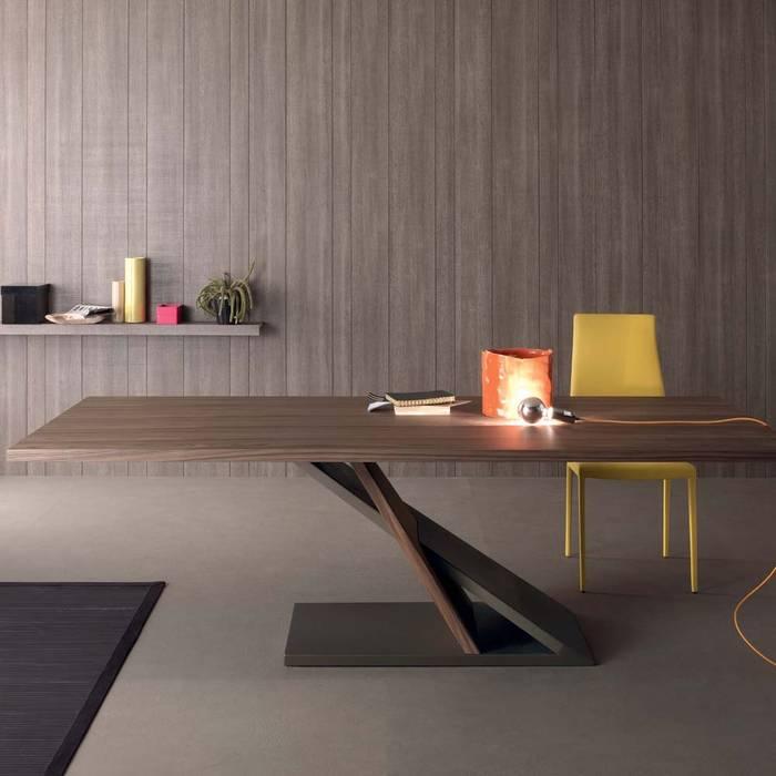 Tavolo di design in metallo e legno impiallacciato noce 240x105 cm ...