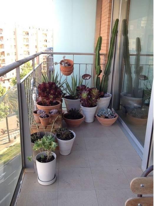 Modern style balcony, porch & terrace by De buena planta Modern