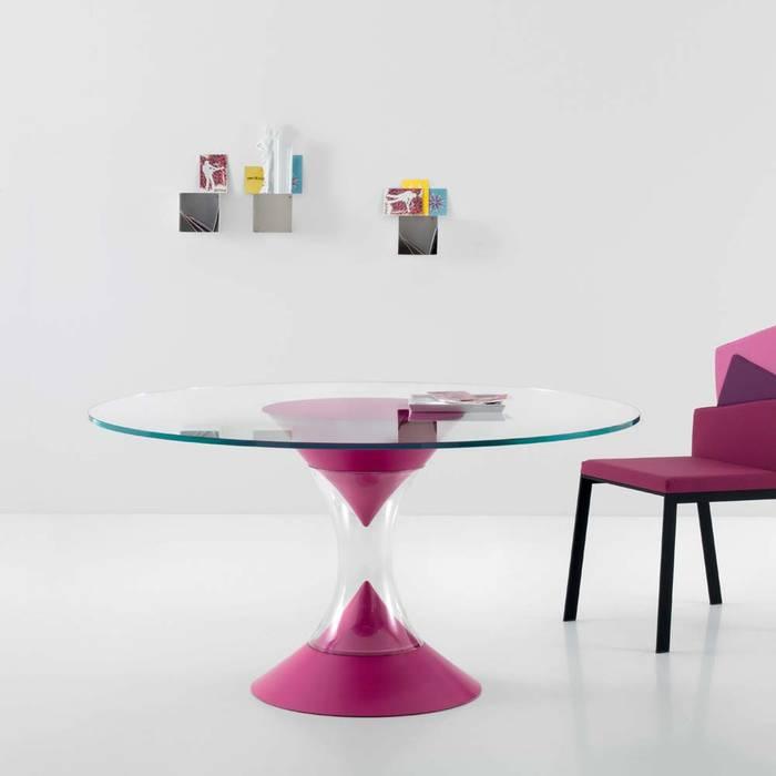 Table de design moderne Scarlett, rond ou ovale: Salle à manger de style de style Moderne par Viadurini.fr