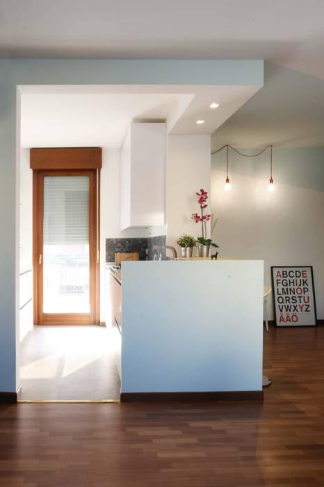 Cocinas de estilo minimalista de moovdesign Minimalista
