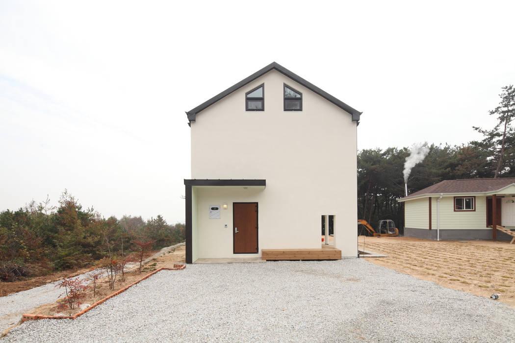 진입부 정면: 주택설계전문 디자인그룹 홈스타일토토의  주택