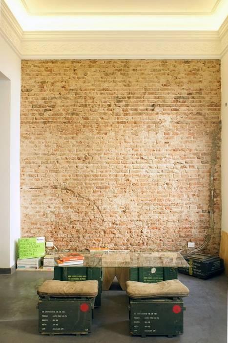Oficinas y Comercios de estilo  por SimpleArq, Industrial