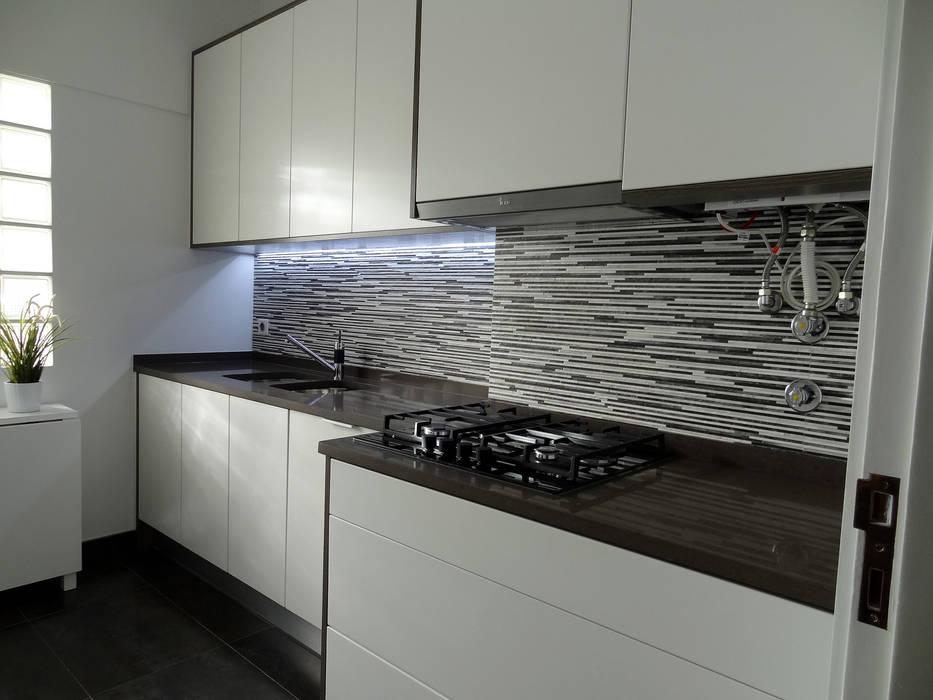Moderne Küchen von Happy Ideas At Home - Arquitetura e Remodelação de Interiores Modern